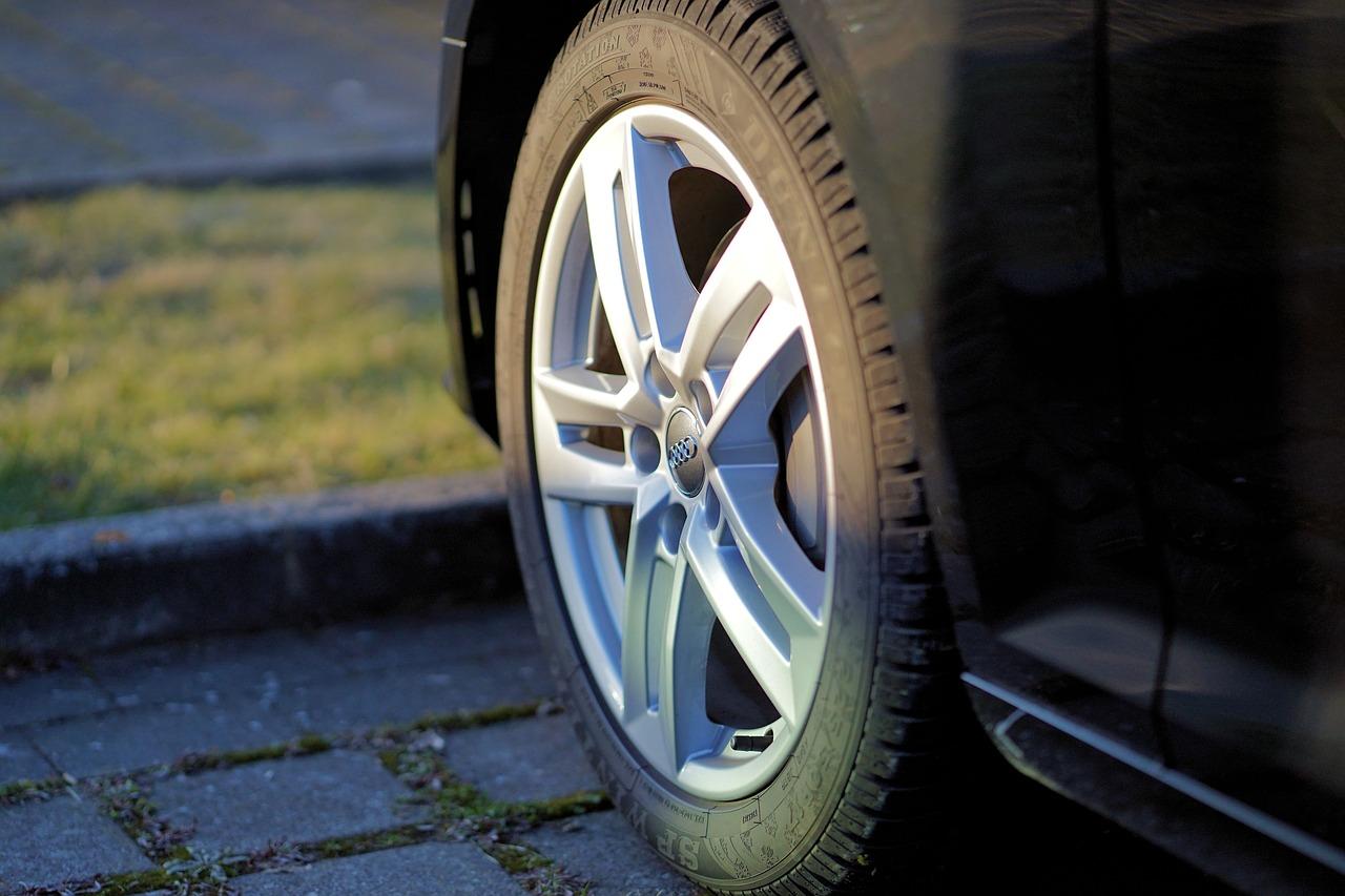 Ako predĺžiť životnosť pneumatík?