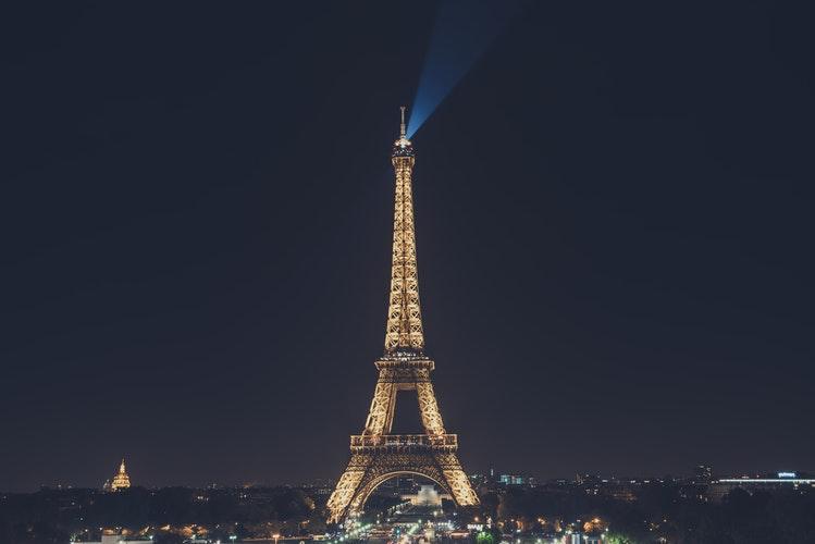 Francúzsko – romantický Paríž či pláž v Nice?