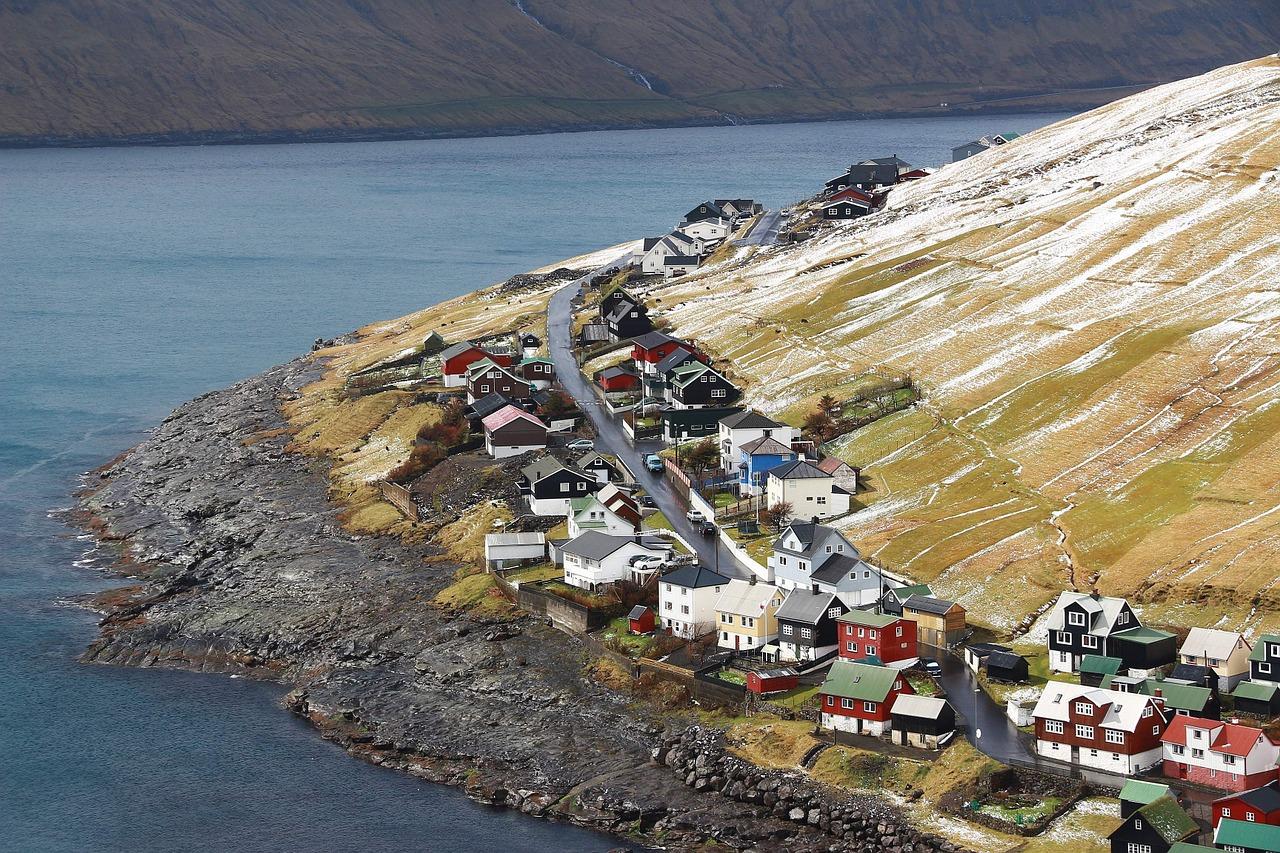 Faerské ostrovy – oblasť útesov a úzkych fjord