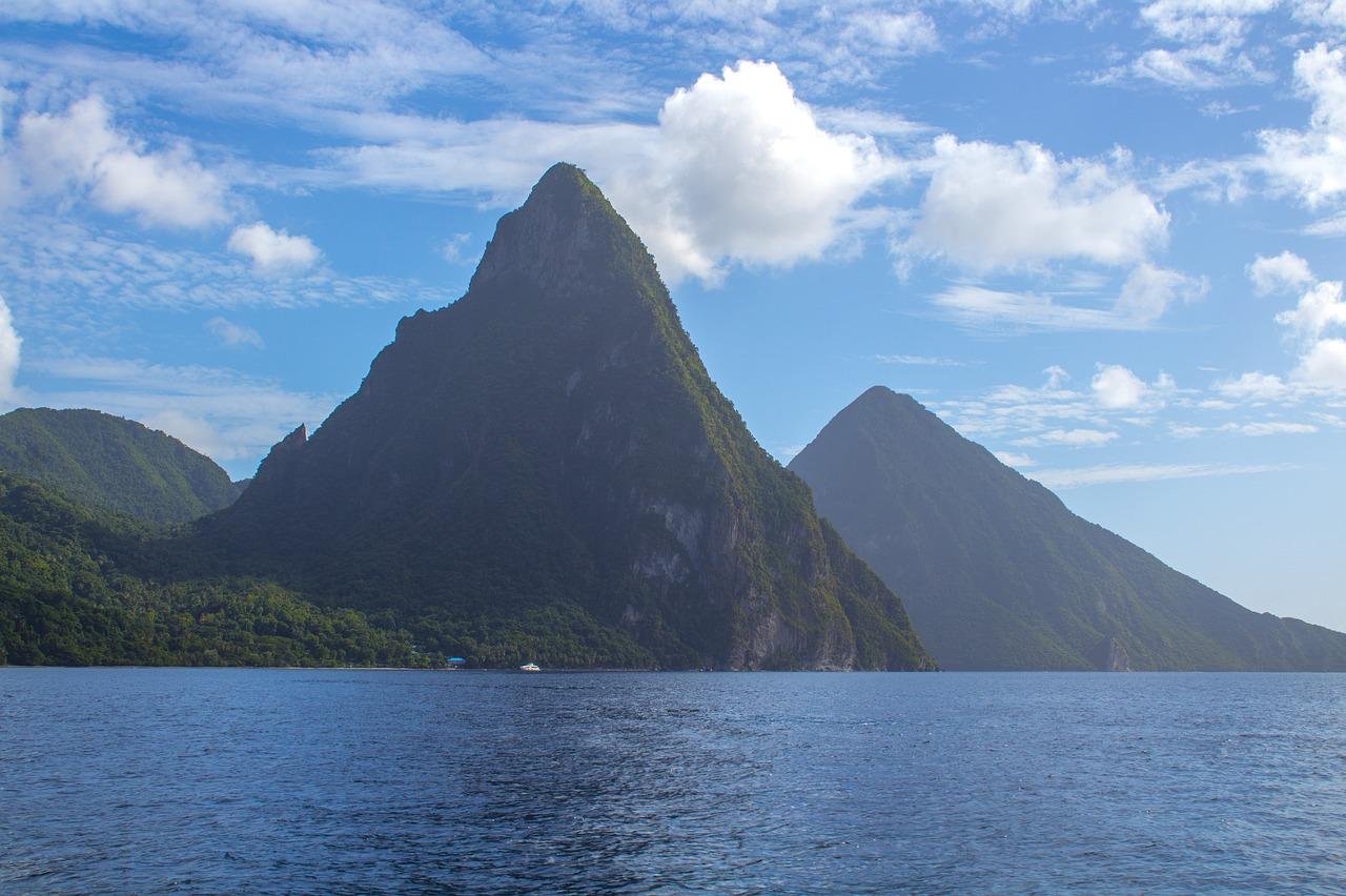 Svätá Lucia – krajina vysokých vrcholov