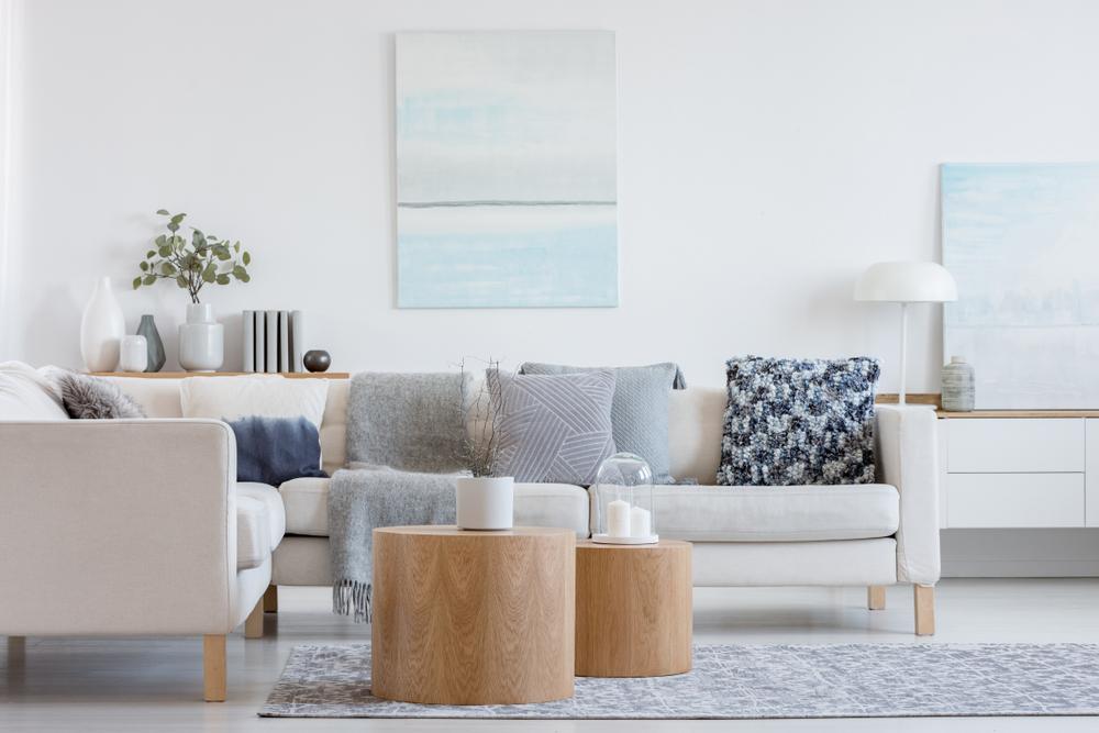 Bytový textil a doplnky, ktorými si zútulnite obývačku
